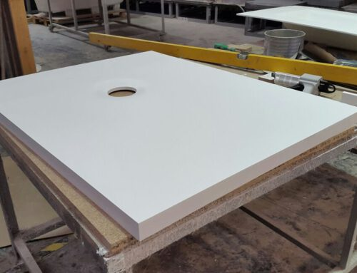 SOLID SURFACE SHOWER TRAYS
